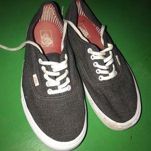 VANS tennis shoes (men's size 10.5)